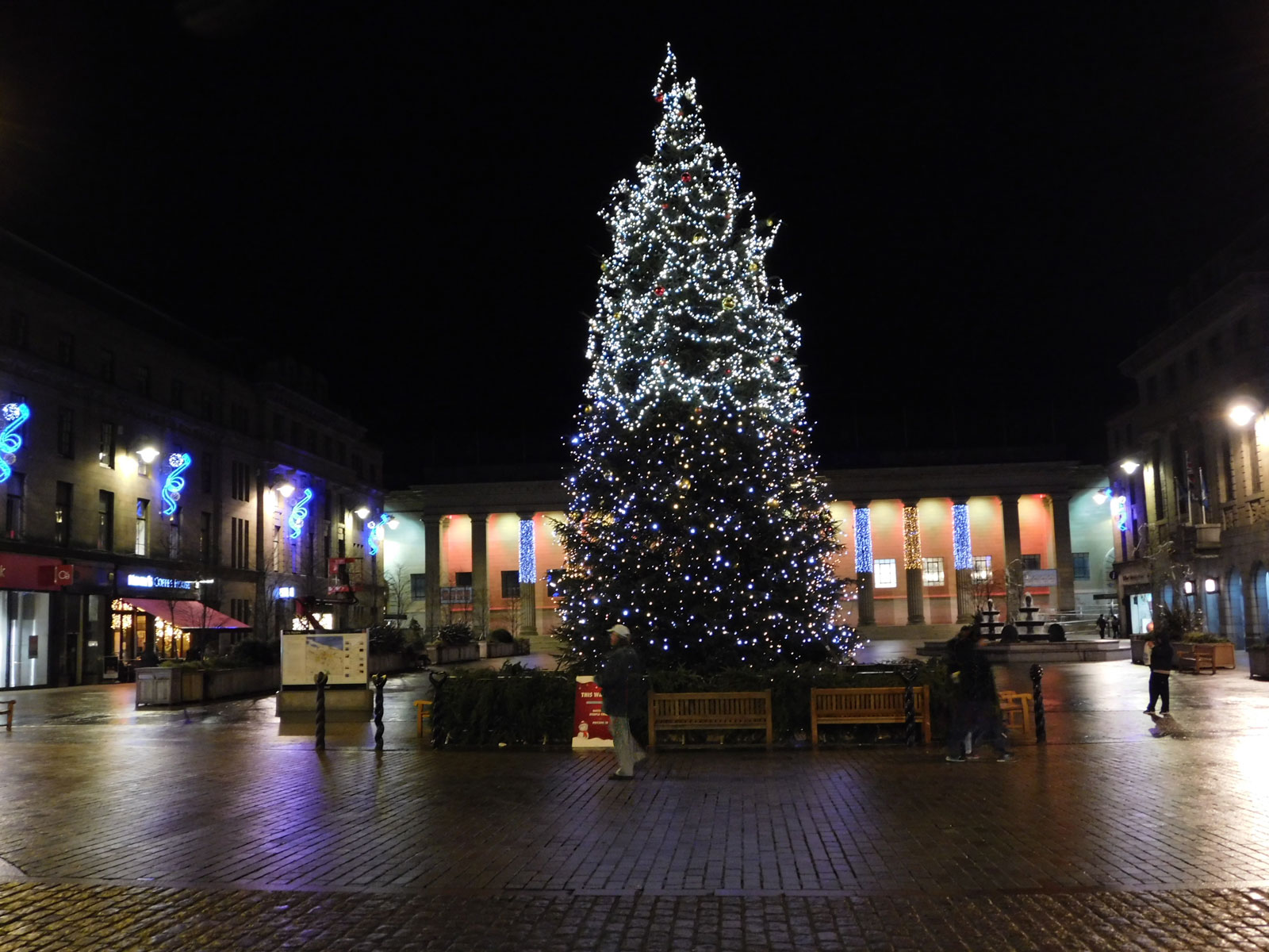 Merry Christmas Dundee